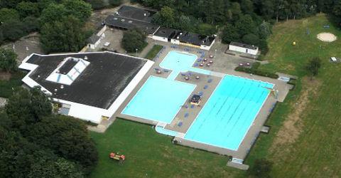 Geldrop zit in een lastige situatie vanwege zwembad De Smelen