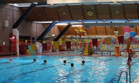 Zwembad West Nijmegen : Zwembaden nijmegen blijven open geen nieuw zwembad zwemrekreatie