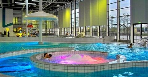 Inwoners kunnen investeren in een zonnedak op zwembad