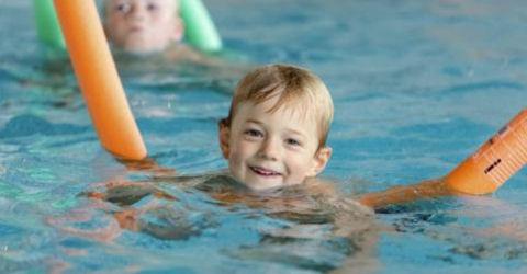 Aat de Jonge Zwembad is net open en nu al kritiek