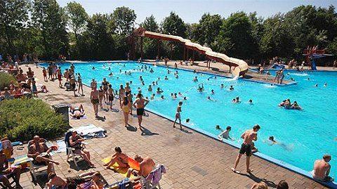 Seizoensverlenging bij openluchtzwembad in Rheden