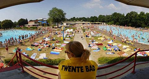 Longfonds roept op: openlucht zwembaden moeten rookvrij worden
