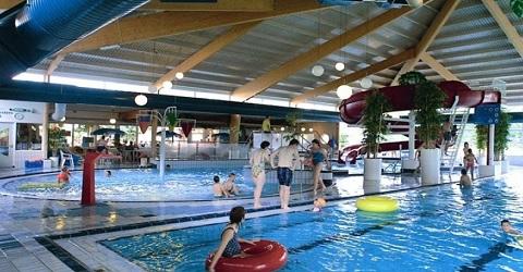 Gemeente koopt zwembad op vakantiepark
