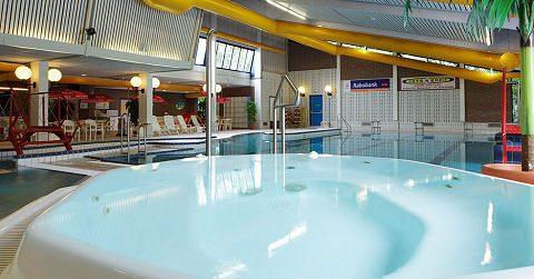 Zwembad De Zeehoek in zwaar weer