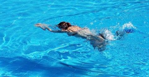 Zwemschool oplichter nu pas voor de rechter
